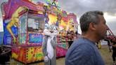 Pasar malam di Titu sudah memasuki usia yang ke-187. (AP Photo/Andreea Alexandru)