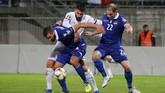 Italia mengakhiri laga dengan kemenangan telak 5-0.(Photo by STEFAN WERMUTH / AFP)