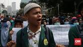 Mahasiswa mengatakan aksi unjuk rasa yang dilakukan murni untuk membahas hal substantif, yakni mengenai UU KPK hasil revisi. Dia menepis tudingan yang mengatakan unjuk rasa bertujuan menggagalkan pelantikan presiden. (CNN Indonesia/Andry Novelino)