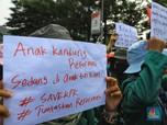 Penampakan Puluhan Mahasiswa Berdemonstrasi Hari Ini