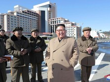 Ada Angin Apa Nih? Kim Jong Un Dapat Buket Bunga dari Jokowi