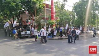 Vonis Gus Nur, Massa Pendukung dan Banser Datangi PN Surabaya