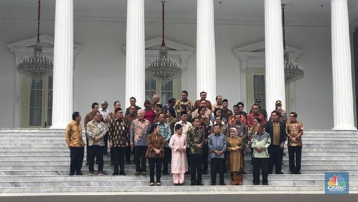 Jokowi meminta maaf karena pernah menggangu para menteri di luar jam kerja