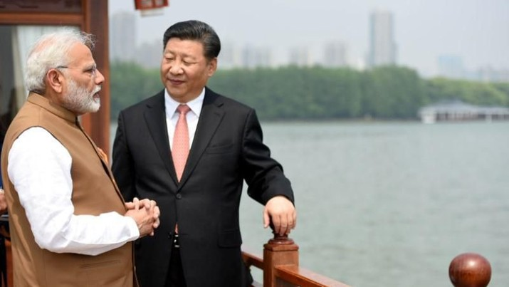 PM India Narendra Modi dan Presiden China Xi Jinping, di Wuhan China, 28 April 2018/India's Press Information Bureau/Handout via REUTERS