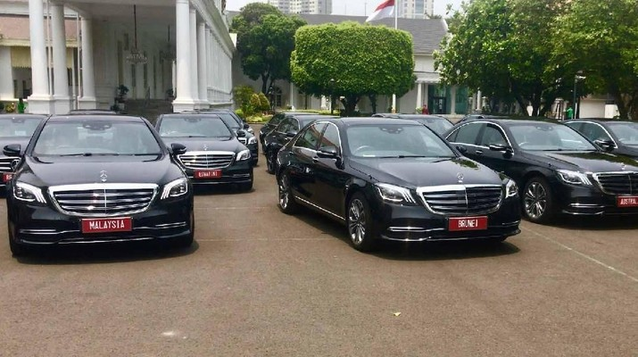 Saat pelantikan Jokowi disiapkan mobil sewaan untuk perwakilan tamu negara.