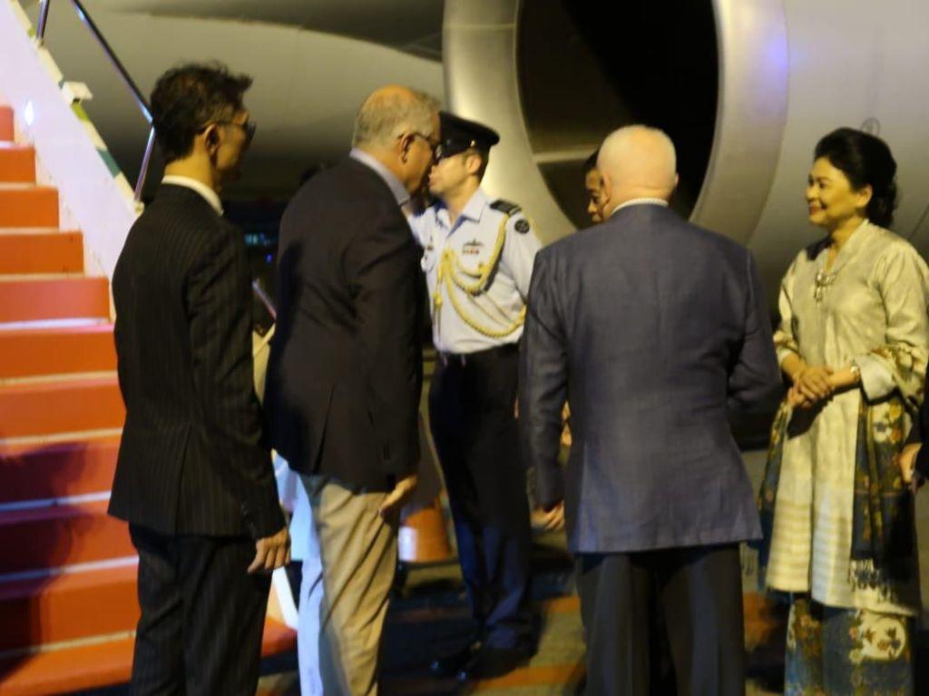 Menteri ESDM Ignasius Jonan bersama istri menyambut PM Australi Scott Morrison/Foto: Dok. Pribadi/Ignasius Jonan
