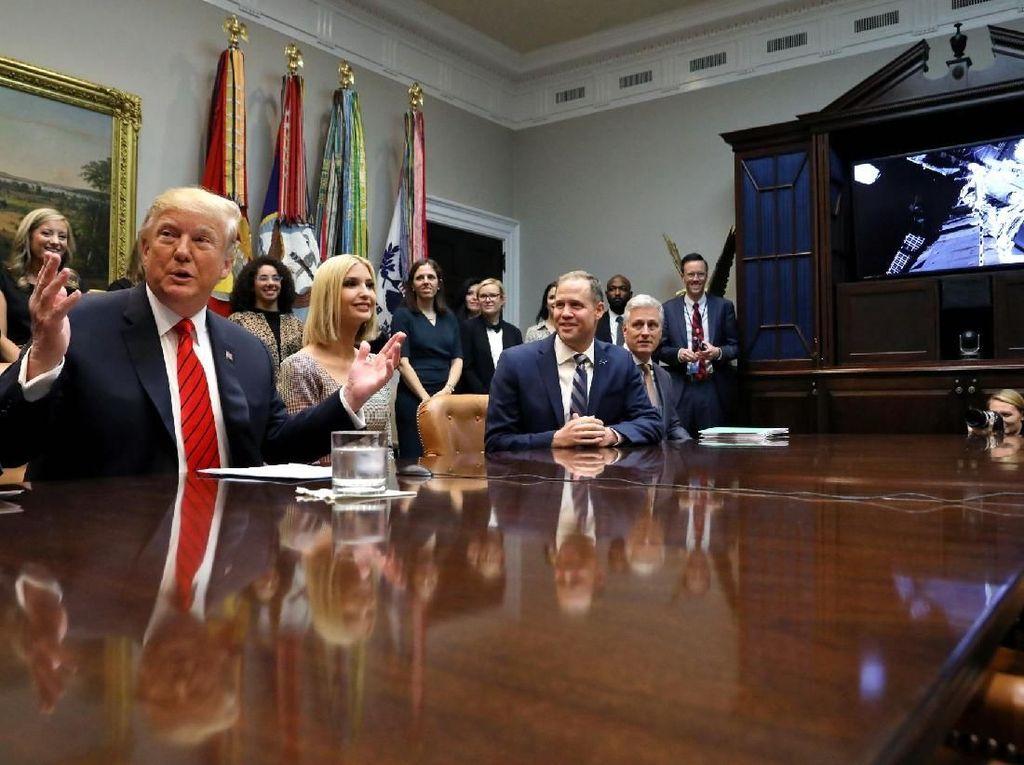Trump menyebut mereka adalah para wanita yang brilian. Foto: Reuters