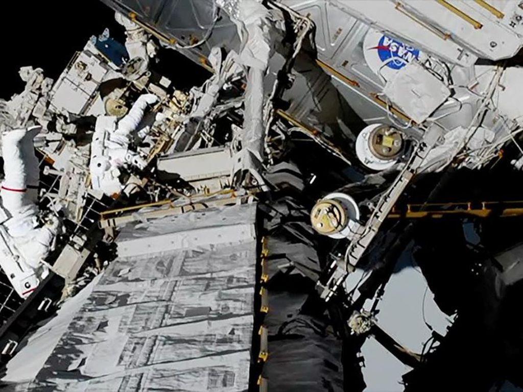 Misi telah terlaksana! Pencapaian historis hari ini membuka jalan untuk program Artemis, yang akan mengirimkan wanita pertama ke Bulan di 2024, sebut administrator NASA, Jim Bridenstine. Foto: Reuters