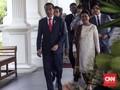 Gaya Ayu Iriana Jokowi Saat Pelantikan: Baju Kurung dan Batik