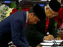 Detik-detik Jokowi-Ma'ruf Teken Pengesahan Presiden & Wapres