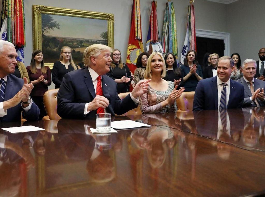 Presiden Amerika Serikat, Donald Trump, menyaksikan langsung event ini dan mengucapkan selamat pada mereka. Foto: Reuters