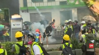 VIDEO: Warga Hong Kong Protes Penganiayaan Aktivis