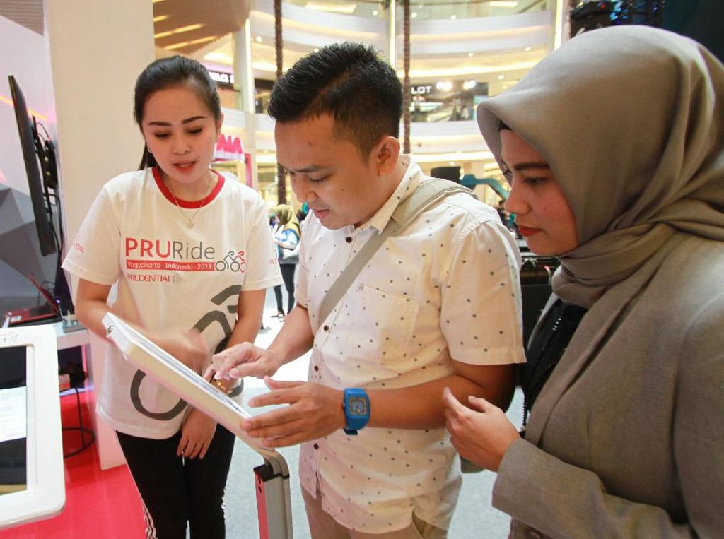 Prudential Indonesia terus berkontribusi mendorong tingkat literasi keuangan dengan memberikan pelatihan keuangan bagi lebih dari 32.000 perempuan di 35 kota di Indonesia sejak 2009.