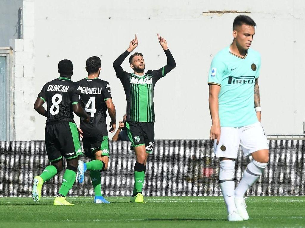 Sementara Sassuolo membalas lewat gol Domenico Berardi, Filip Djuricic, dan Jeremie Boga.