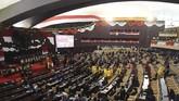 Selain dihadiri anggota MPR, tamu negara dan mantan pejabat tinggi negara termasuk Susilo Bambang Yudhoyono dan Megawati Soekarnoputri hadir dalam acara ini. (ANTARA FOTO/Akbar Nugroho Gumay/pras)