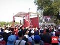 Relawan Jokowi Memadati Taman Pandang Monas