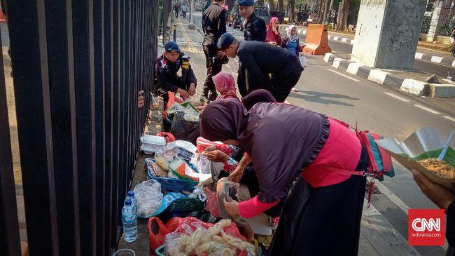 Mendulang Rezeki di Pelantikan Jokowi