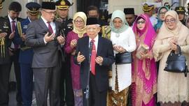 Ma'ruf Amin 'Tanggalkan' Sarung di Pelantikan Presiden 2019
