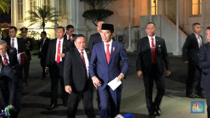 Presiden Joko Widodo (Jokowi) sudah memanggil beberapa nama calon menteri ke Istana Negara.