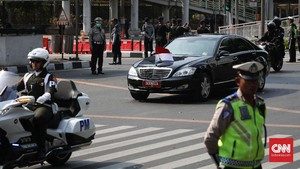 Jokowi Pakai Mobil Dinas Baru Antipeluru Mulai Tahun Depan