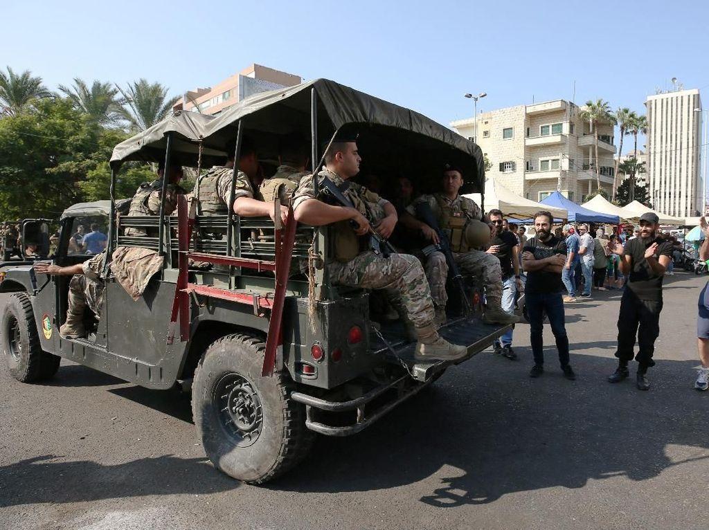 Lebanon memang sedang dilanda krisis ekonomi dan korupsi berlangsung masif sehingga rakyat kecewa. Penerapan pajak WhatsApp semakin menambah kemarahan mereka. Foto: Reuters