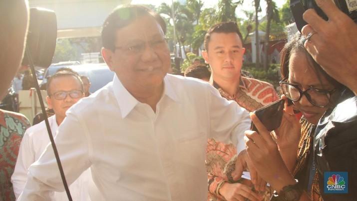 Prabowo mendatangi Istana Negara bersama Wakil Ketua Umum Partai Gerindra Edhy Prabowo.