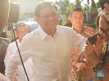 Calon Menteri Pertahanan, Prabowo Datang ke Istana