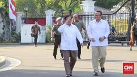 Berkemeja Putih, Prabowo dan Edhy Prabowo Tiba di Istana