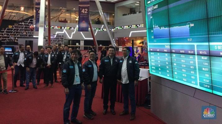 Pecatatan perdana PT Digital Mediatama Maxima Tbk (DMMX) di BEI (CNBC Indonesia/Syahrizal Sidik)