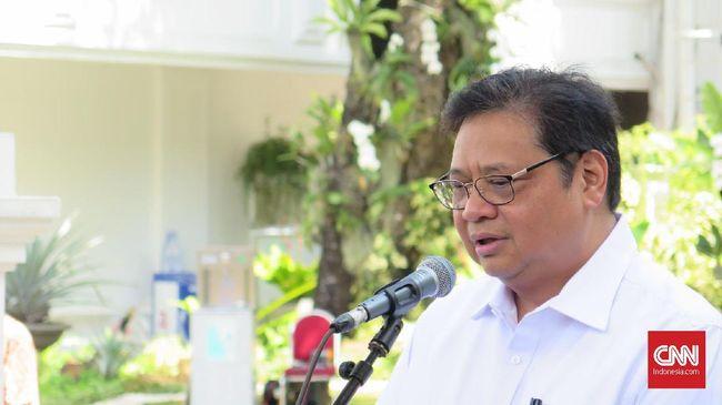 Menko Airlangga Serahkan Draf RUU Omnibus Law Ciptaker ke DPR