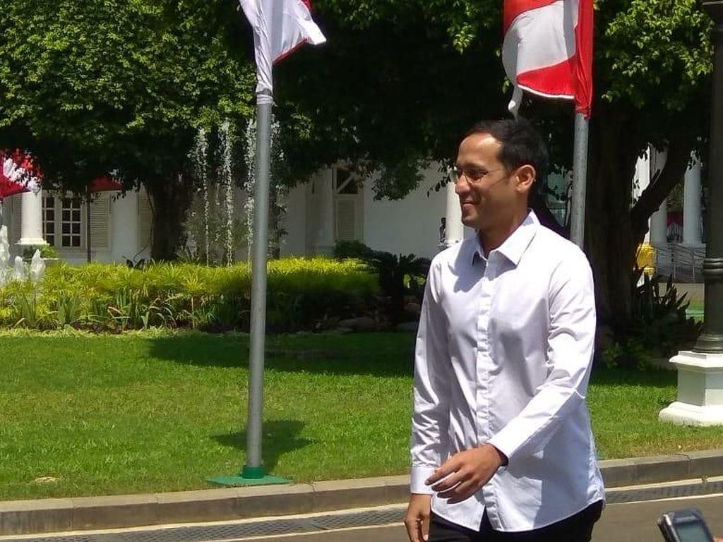 Kemeja putih juga dikenakan oleh calon menteri yang lain. (Foto: Trio Hamdani/detikcom)