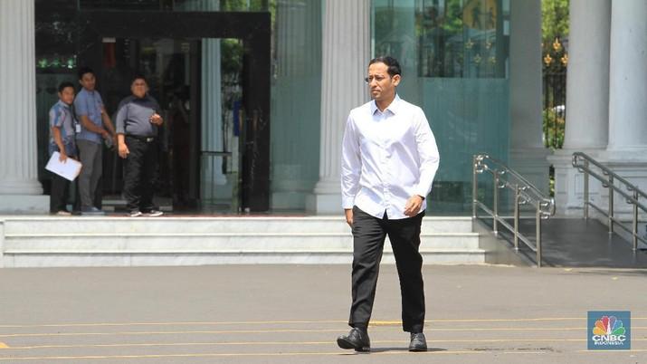 Nadiem Makarim menyatakan mundur dari Gojek setelah ditawari posisi Menteri dalam kabinet Jokowi Jilid II. Nadiem disebut sebagai menteri digital.