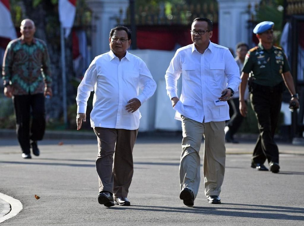 Sebelumnya, sudah ada 10 orang yang mendatangi Istana karena diundang Jokowi. Di antara mereka ada Mahfud Md, Nadiem Makarim, Kapolri Jenderal Tito Karnavian, Erick Thohir, hingga Pratikno.