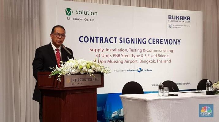PT Bukaka Teknik Utama Tbk menandatangani kontrak penjualan 33 unit boarding bridge (garbarata) dengan M-Solutions Co., Ltd.