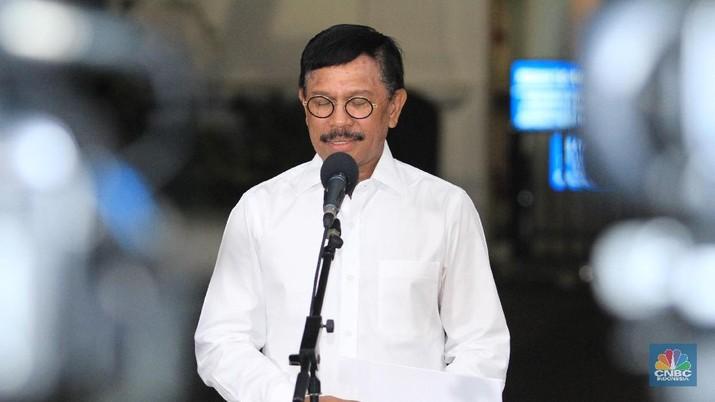 Menteri Kominfo Johnny Gerald Plate meminta Netflix mengedarkan film karya anak bangsa di platformnya.
