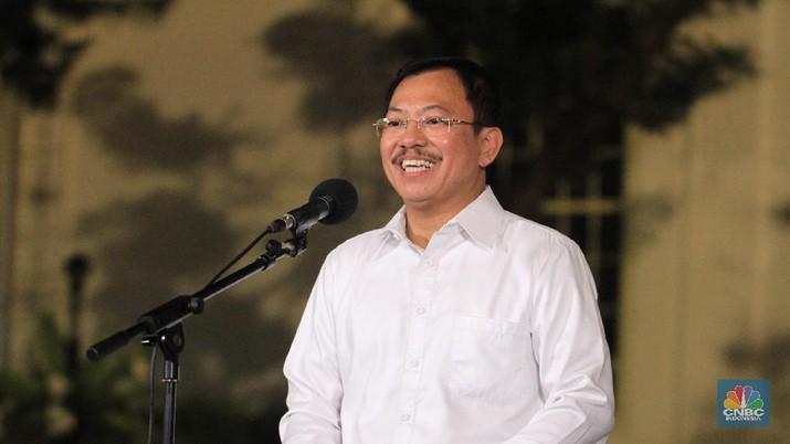 Pemerintah tidak menutup-nutupi bila memang corona masuk ke Indonesia.