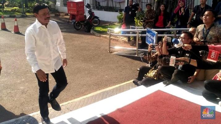 Politisi Nasdem dan pengusaha Jhonny G Plate tampak hadir di istana, kuat sinyal untuk jadi Menteri ESDM