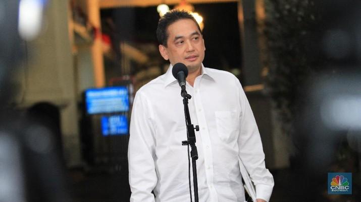Adakah solusi taktis untuk mengatasi persoalan defisit neraca perdagangan? Berikut ini ulasan Tim Riset CNBC Indonesia.