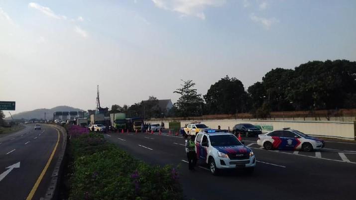 PT Kereta Cepat Indonesia-China (KCIC) mengakui insiden kebakaran terjadi dekat Proyek Kereta Cepat Jakarta Bandung.