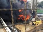 Pembersihan Sisa BBM Pipa Pertamina Masih Terhambat Crane
