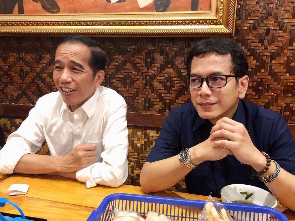 Dipilih Jokowi Jadi Menteri, Intip Gaya Wishnutama Ketika Kulineran