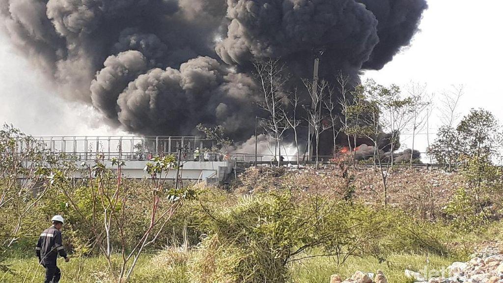 Pipa Pertamina Terbakar, Mobil di Tol Purbaleunyi Dikeluarkan ke Pasteur