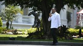 Jokowi ke Menpora Baru: Sepak Bolanya, Pak!