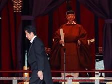 Bermalam dengan Dewi & Habis Rp 350 M, Kaisar Jepang Dikritik