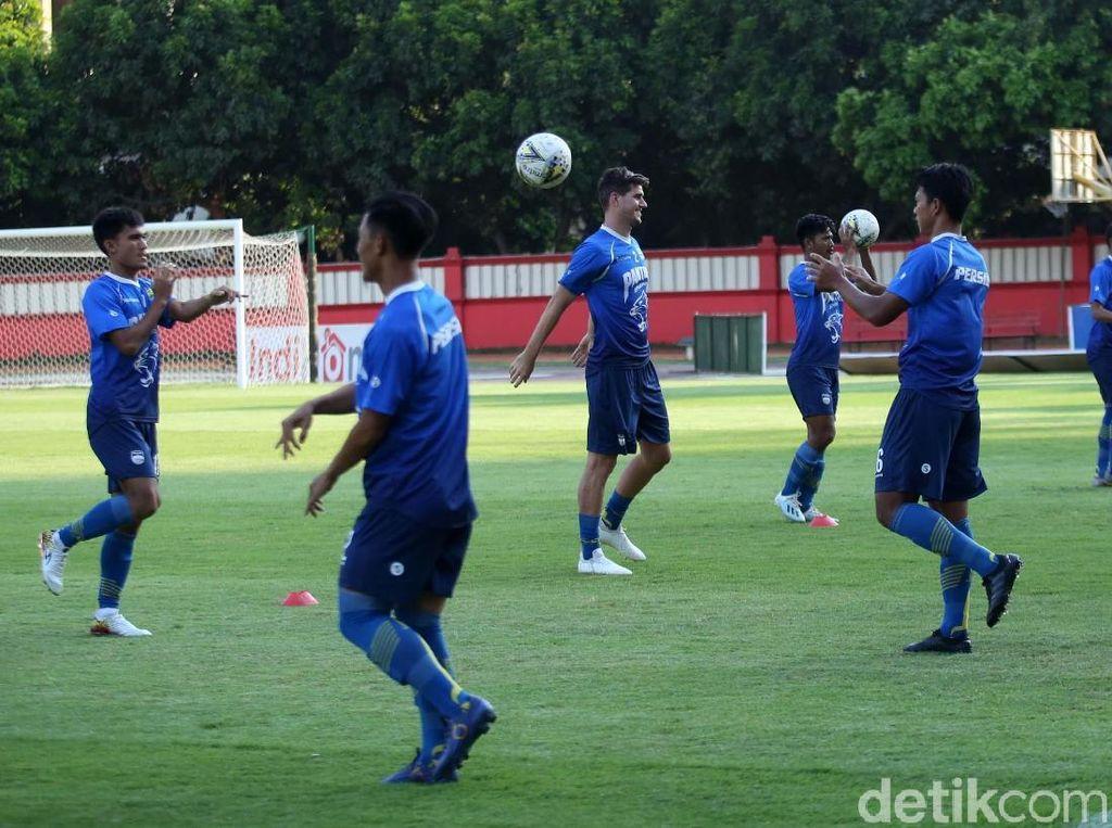 Tarung Lawan Bhayangkara, Persib Jajal Stadion PTIK