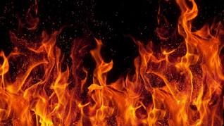 Sepuluh Orang Tewas dalam Kebakaran di Pasar Jalur Gaza