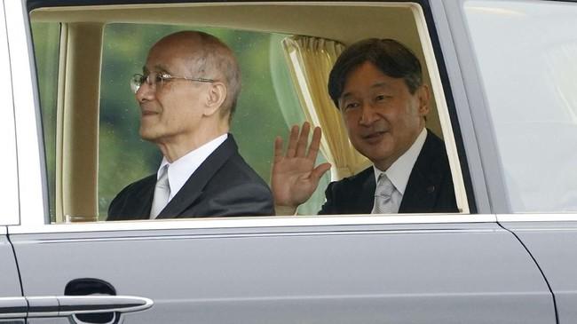 Kaisar Jepang, Naruhito, hari ini menjalani upacara ritual agama Shinto sebagai bagian dari proses penobatan kekaisaran. (AP Photo/Eugene Hoshiko)