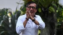 Netizen Samakan Aksi Yasonna Laoly Mirip Ria Ricis