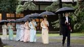 Kaisar Naruhito wajib berdoa di tiga kuil Shinto yang berada di Istana Kekaisaran Jepang. (Kyodo News via AP)