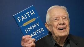 Jatuh, Mantan Presiden AS Jimmy Carter Dilarikan ke RS